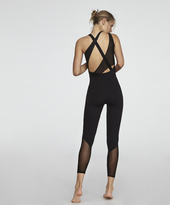 0d5456f4434 El diseño se apodera de la ropa deportiva - Moda y Belleza - Arte ...