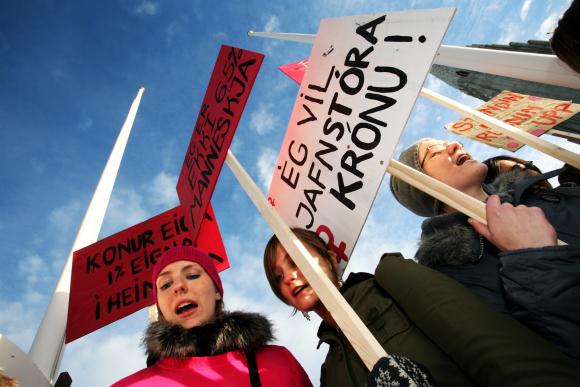 Resultado de imagen para huelga de mujeres en islandia