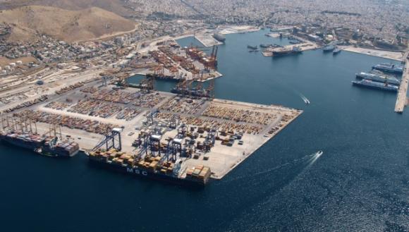 El puerto de El Pireo / Cosco