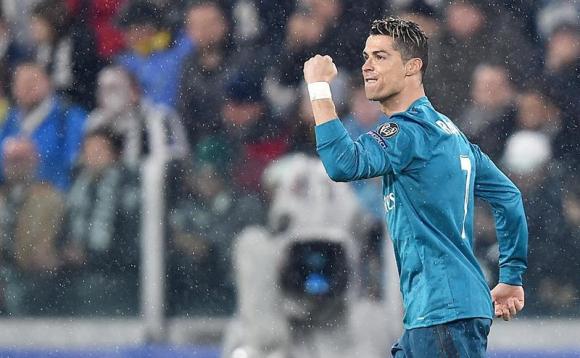 Cristiano Ronaldo de Real Madrid celebra luego de anotar el 1-0 ante  Juventus hoy 37517855d653f