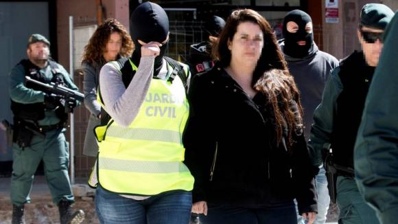 Tamara Carrasco, al ser detenida por los Mossos.