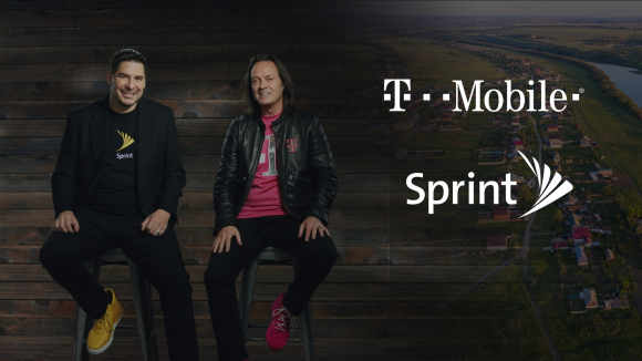 El CEO de T-Mobile, John Legere, y el CEO de Sprint, Marcelo Claure