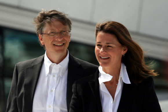 Fotografía de Bill Gates junto a su mujer Melinda en 2009.