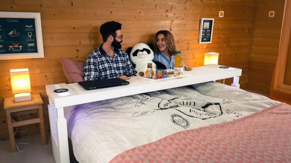 Noticias consumo no saldr s de la cama la mesa bedchill - Mesa para comer en la cama ...