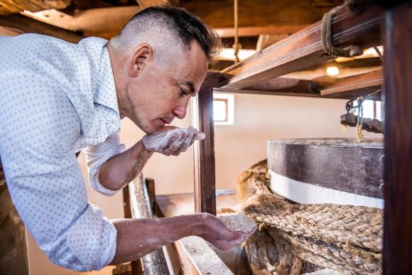 Moncho López asegura que no es fácil distinguir un pan de calidad de otro que no la tiene.