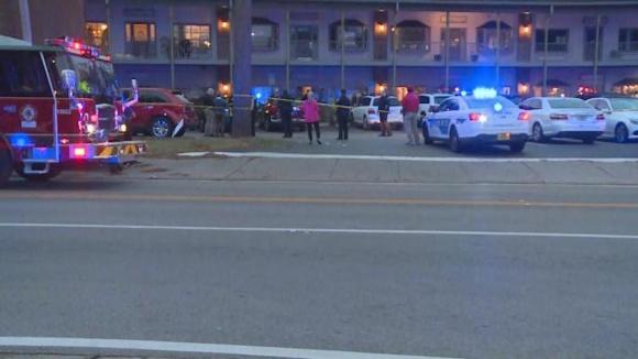 La escena del tiroteo tomada por los investigadores policiales (Imagen  CBS) 48f8127cad0a