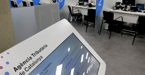 Hacienda catalana la generalitat se hace con la gesti n de la declaraci n de renta de - Oficinas de la agencia tributaria ...