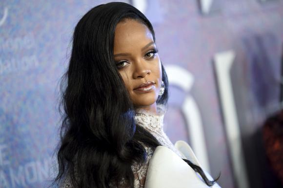 Rihanna se ha asociado con el grupo LVMH para lanzar una marca de lujo.   c4c6ae67813