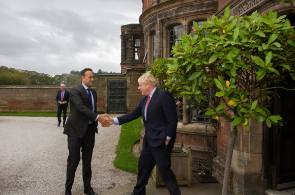 Leo Varadkar y Boris Johnson