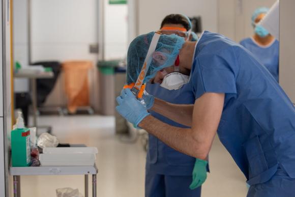 Sanitarios coronavirus hospital