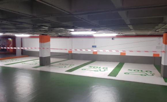 Fotografía del parking de Colón, Carga en Destino de Tesla