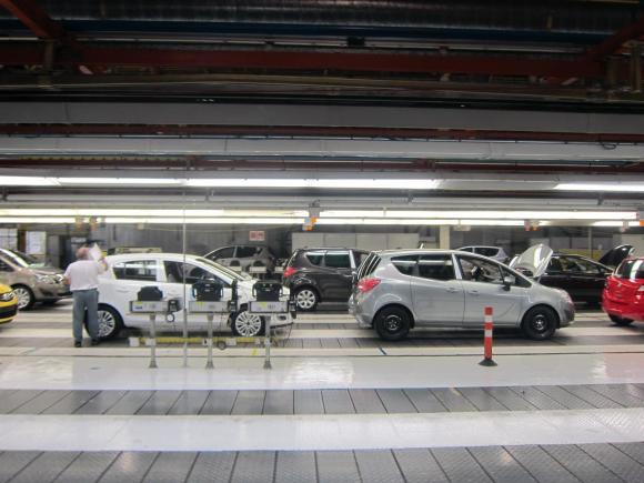 Rajoy y el presidente de Opel anunciarán este miércoles un nuevo modelo para Figueruelas