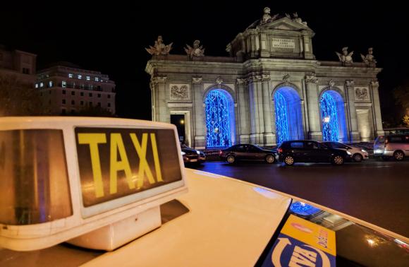Fotografía de un taxi en Madrid