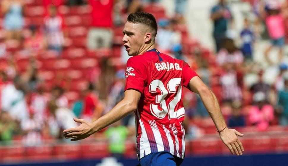 Borja Garcés, del Atlético de Madrid, celebra el gol del empate ante el Eibar durante el partido de la cuarta jornada de LaLiga que ambos equipos han disputado en el estadio Wanda Metropolitano. EFE/ Rodrigo Jimenez