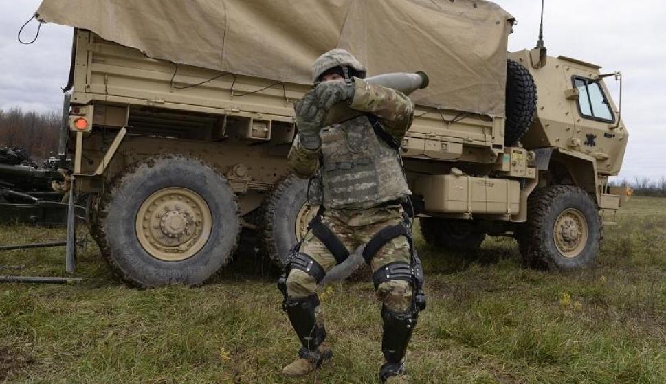 Un soldado de EEUU probando el exoesqueleto Onyx (Foto: Lockheed Martin)