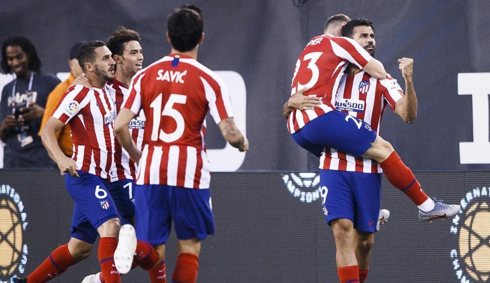 Diego Costa celebra uno de sus cuatro goles durante el partido contra el el Real Madrid en el MetLife Stadium de New Jersey. /EFE