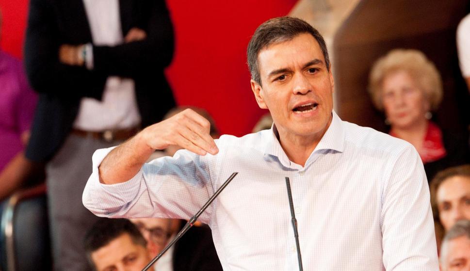 El presidente del Gobierno en funciones, Pedro Sánchez, interviene este sábado en un acto de precampaña en Vigo. EFE / Salvador Sas