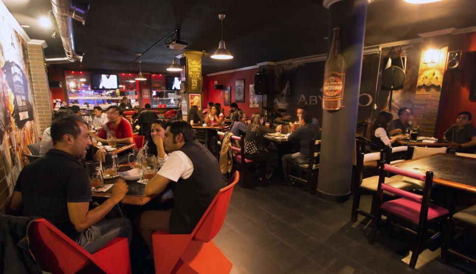 La nueva apuesta de los bares, donde pagas por el tiempo