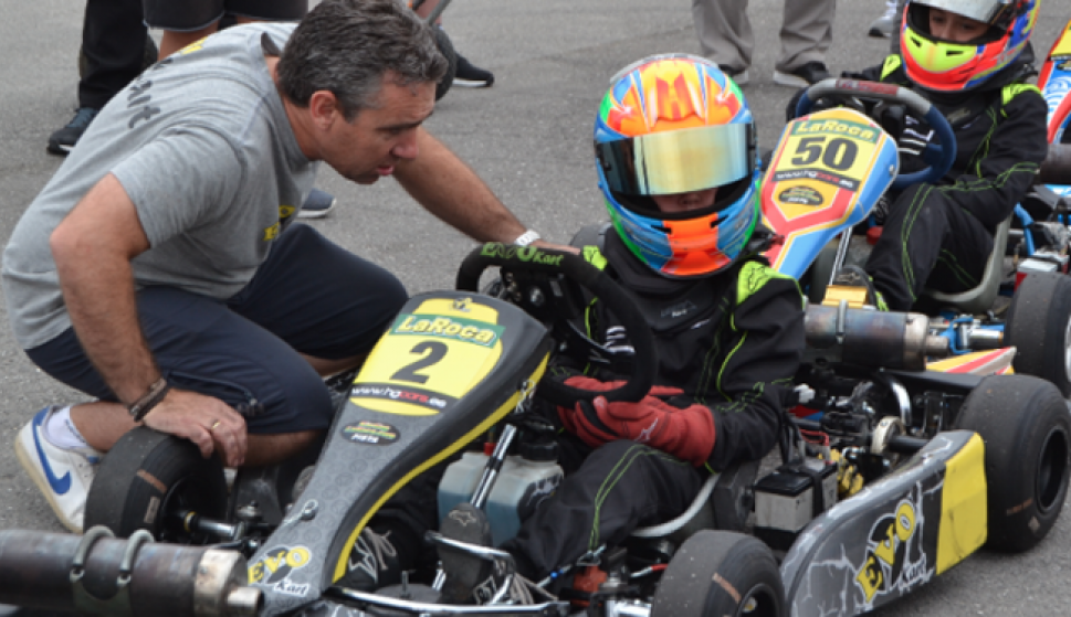 Circuito Fernando Alonso Alquiler Karts : Karting vendrell centro de ocio con karts paintball y catering