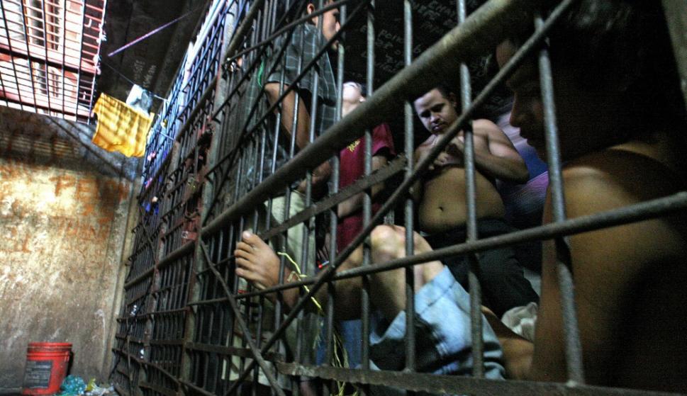 Resultado de imagen de cárceles peligrosas y lujosas