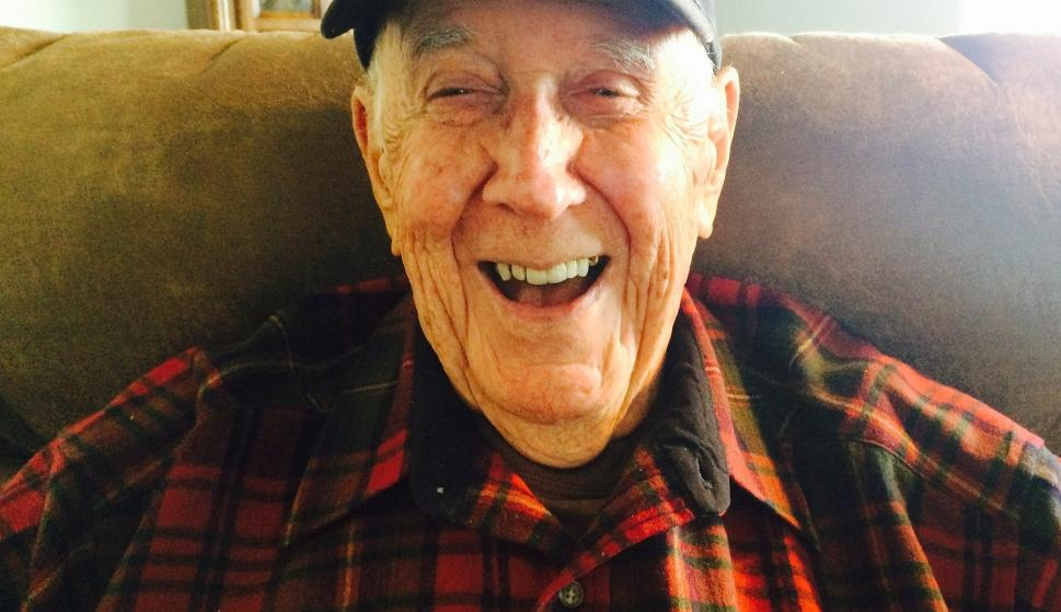 Abuelo con Alzheimer se olvida que tiene Alzheimer y recuerda todo
