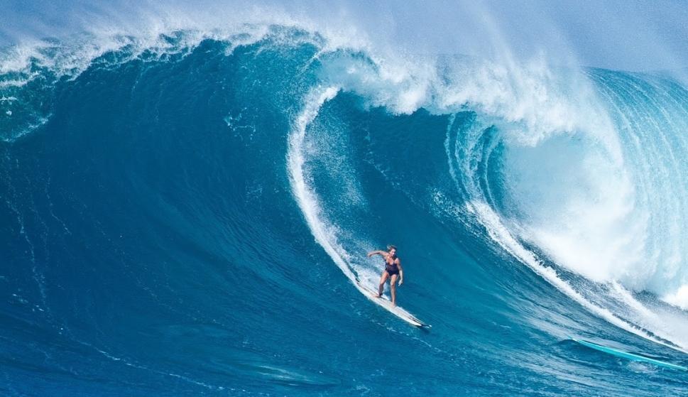 Cuatro surfistas femeninas se enfrentarán a La Vaca Gigante ... 880da803f60