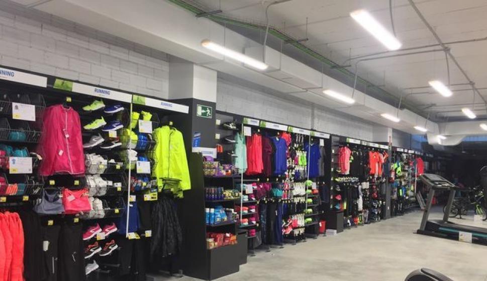 886999bba Decathlon abrirá tres nuevas tiendas de gran formato en el centro de ...