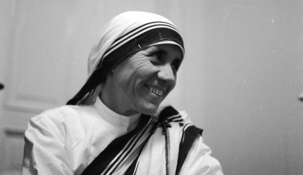 La Madre Teresa De Calcuta En 25 Frases Y Una Oracion Para Aprender