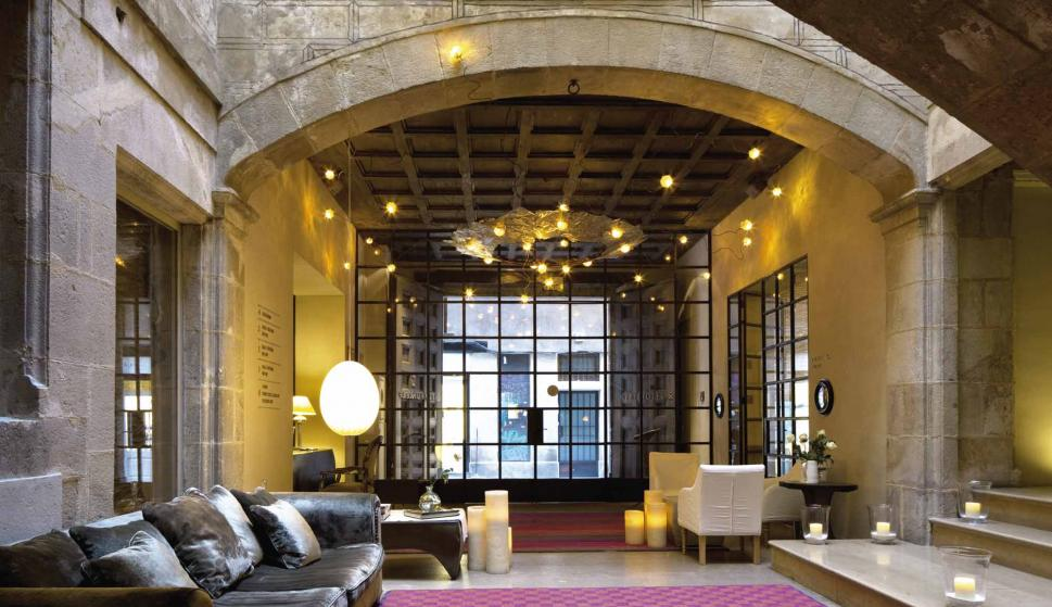 Un Hotel Con Dueños Personalidad Y Encanto De Tamaño Dimensiones