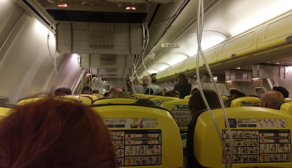 El pasajero Miomir Todorovic subió una fotografía desde el interior del avión (@MiomirTodorovic)