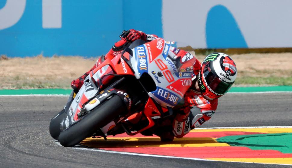 El piloto de MotoGP Jorge Lorenzo (Ducati), durante la sesión de entrenamientos libres (EFE/ Javier Cebollada)