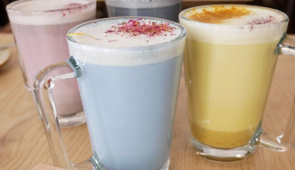 Muestra de los distintos tés que puedes disfrutar en Suis&Bowls.