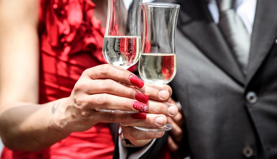 El champagne es imprescindible en Navidad.