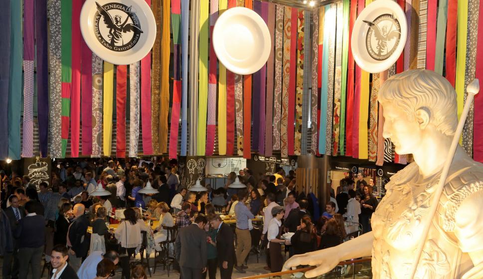Mercado gastronómico Puerta Cinergia