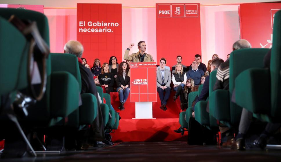 El presidente del gobierno y Secretario General del PSOE, Pedro Sánchez, interviene en el mitin en el que ha presentado en Zaragoza a los candidatos socialistas aragoneses para las elecciones municipales y autonómicas.- EFE/Javier Cebollada