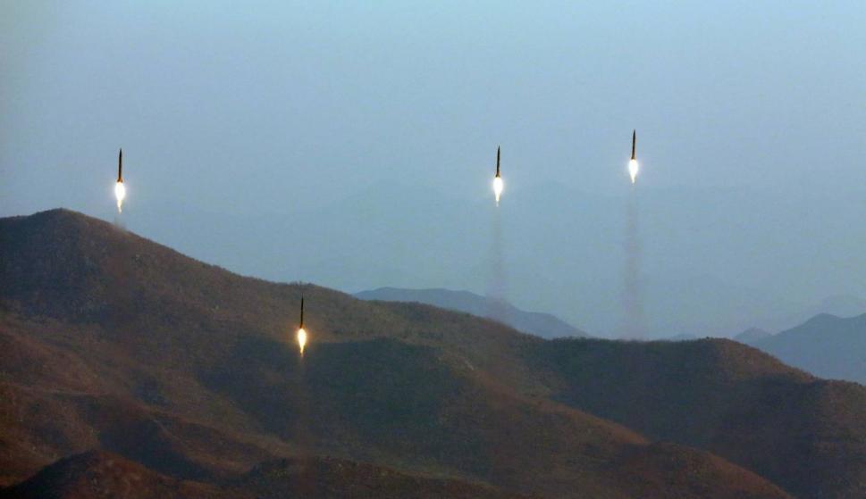Misiles lanzados por Corea del Norte en marzo en una imagen difundida por el régimen. / EFE