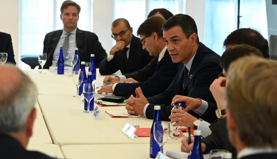 Sánchez se reúne con Soros, Blackrock, Citi y Blackstone en busca de inversiones
