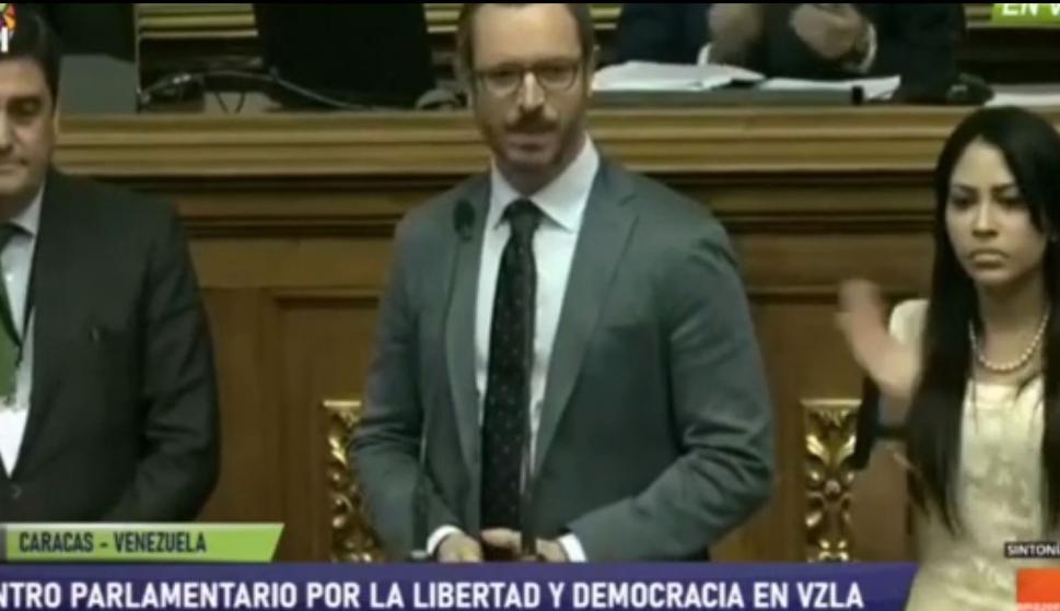 Javier Maroto durante su discurso ante la Asamblea Nacional de Venezuela. /L.I.