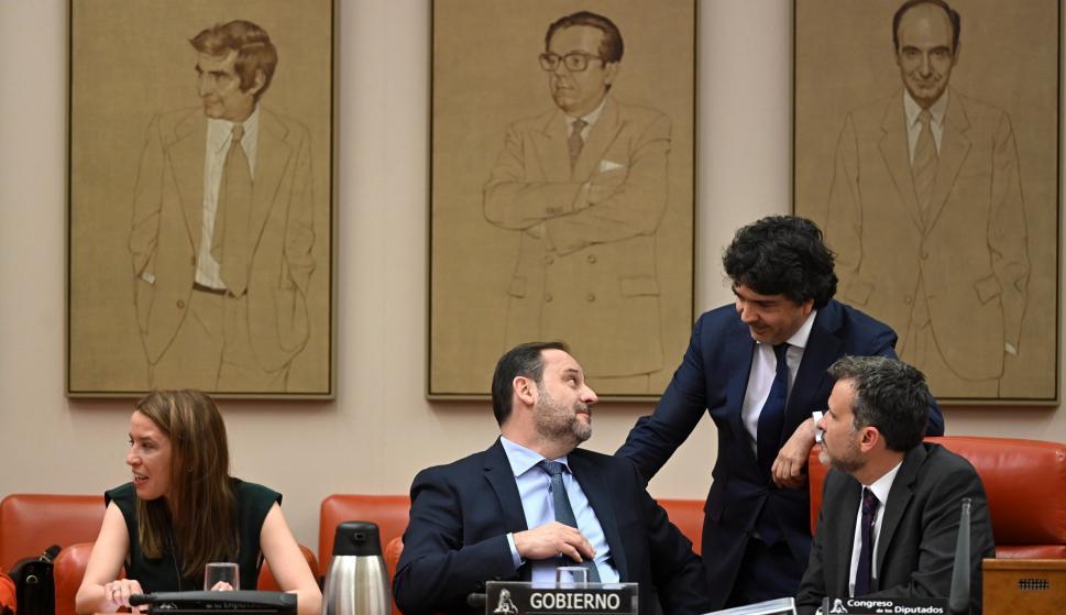 José Luis Ábalos comparece a petición propia en la comisión del Congreso de Transportes, Movilidad y Agenda Urbana. /EFE