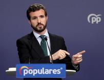 El PP revela que Casado contactó con Sánchez sin recibir respuesta.