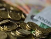 El Tesoro coloca cerca de 4.800 millones en bonos y obligaciones a tipos más bajos