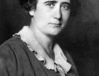 Clara Campoamor, abogada y diputada desde 1931 a 1933.