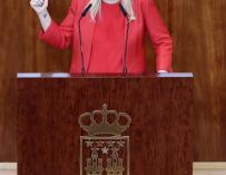 """Cifuentes defiende colgar la bandera española: """"No puede verse por parte de nadie como elemento de crispación"""""""