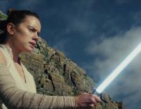 Star Wars arrasa en taquilla en su primer fin de semana