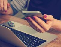 El móvil es uno de las mayores fuentes de distracción / Pixabay