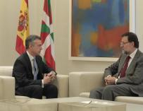 """Urkullu traslada a Rajoy la necesidad de abordar una """"política de Estado"""", transferir competencias y acordar el Cupo"""