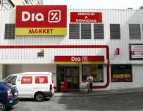 Los clientes de ING podrán sacar dinero en los supermercados Dia
