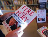El autor del libro más odiado por Trump cree que puede derribarlo