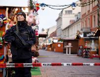 La Policía monta guardia en el mercado navideño de Postdam - EFE