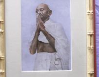Las sandalias de Gandhi, subastadas en Inglaterra por 26.150 euros